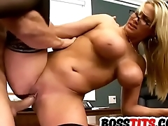 Stacked Alanah Rae gets her Snatch Fucked