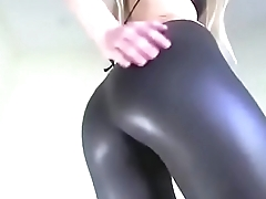 Hot Girl in Hot Leggins - AssNation