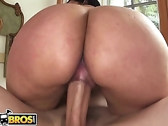 BANGBROS - Big Booty Latina Destiny Gets Some Dick From Muthafuckin'_ J-Mac