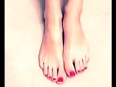 Cams4free.net - Pretty Pedicured Toes